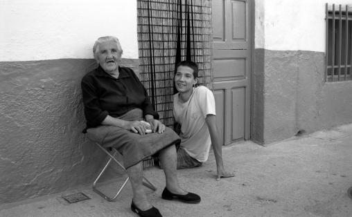 Crispina y su nieto; Losar de la Vera.